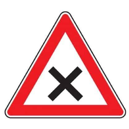 Kreuzung oder Einmündung mit Vorfahrt von rechts - Verkehrszeichen nach StVO